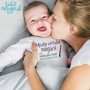 Body-bebe-2020-Mockup-Manga-Menino-Longa-Varinha-Magica-Paz-e-Harmonia